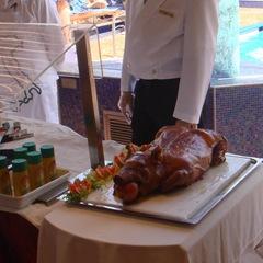070524-pig-roast
